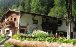 albergo-rifugio-pontarna2_4321191